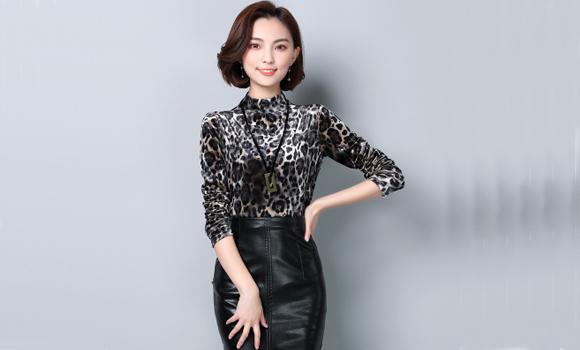 实拍丝绒上衣女 字母刺绣高领t恤 2017新款韩版百搭 长袖打底衫女