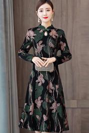 实拍加绒加厚连衣裙2020年秋冬季女装40岁50妈妈改良版旗袍打底裙