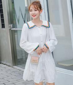 秋装2019年新款少女娃娃领宽松韩版洋气学院风减龄可爱长袖连衣裙