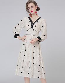 实拍-秋季新款法式中长款v领气质收腰显瘦别致波点长袖连衣裙女