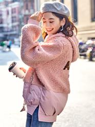 实拍2019秋冬新款韩版短款羽绒服女羊羔毛拼接刺绣网红学院风棉衣