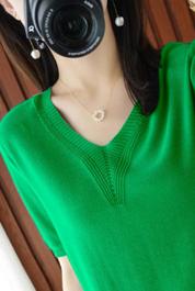 宽松显瘦【80-200斤】冰丝短袖T恤女夏季百搭毛衣V领大码针织上衣