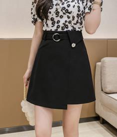 小雏菊花扣a字包臀裙夏季女显瘦短裙高腰时尚设计感不规则半身裙