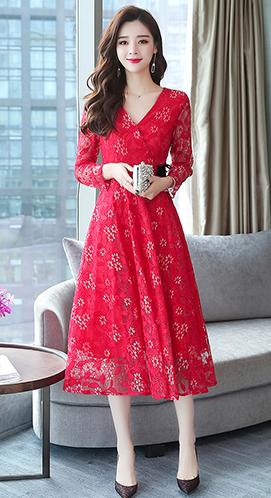 实拍9710# 秋装新款韩版中长款V领长袖蕾丝连衣裙女气质长裙显瘦