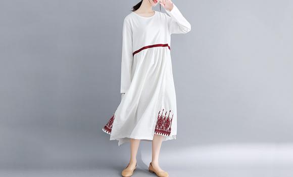 好质量866#现货2019春新款高领针织刺绣高档大码连衣裙限价80