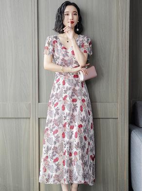 雪纺连衣裙女 2019新款夏季修身碎花V领气质很仙的法国小众长裙子