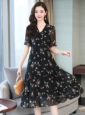 实拍9801夏装宽松显瘦娃娃领黑色碎花中长裙荷叶袖气质雪纺连衣裙