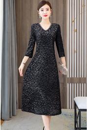 实拍南韩丝V领连衣裙女2020秋装新款轻奢名媛气质长裙高端裙子