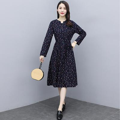 实拍2021秋装新款气质减龄收腰中长款复古棉麻碎花长袖连衣裙