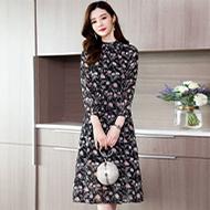 现货实拍碎花雪纺连衣裙显瘦超仙修身中长款气质印花流行女裙子