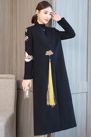 实拍复古风毛呢外套2018冬季女装新款美伦重工刺绣流苏长款厚实