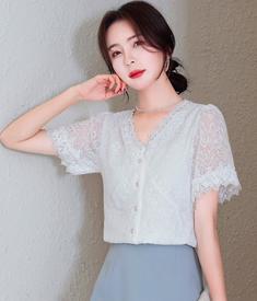 夏季白色蕾丝打底衬衫女装夏装2021年新款法式v领雪纺上衣服甜系