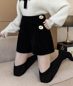 实拍秋冬新款韩版高腰显瘦大码金丝绒短裤女交叉带小香风靴裤外穿