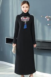 实拍中国风秋冬装2018新款复古民族风刺绣加绒长袖针织连衣裙女