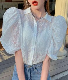 实拍实价2021新款夏季透视翻领泡泡袖碎花宽松上衣衬衣设计感衬衫