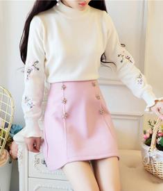 2265实拍半高领刺绣花朵针织套装裙秋冬新款钉珠短裙学生两件