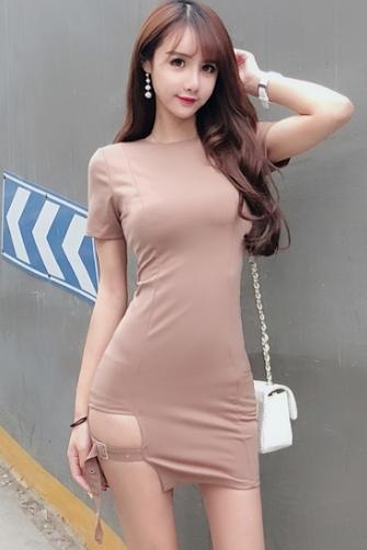 5238# 模特实拍!夏季新款简约短袖包臀紧身圆领开叉连衣裙 3色入