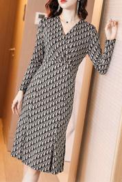 早春女人味法式针织连衣裙2020新款气质收腰显瘦复古内搭鱼尾裙