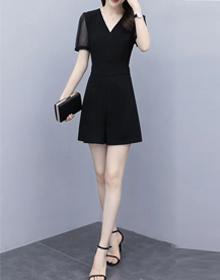 2021夏季新款韩版时尚隐形拉链网纱拼接短款连衣裤女显瘦V领短袖