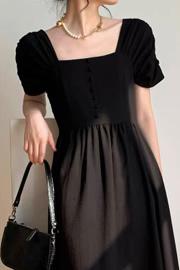 赫本风黑色连衣裙女夏短袖方领衬衫裙复古显瘦气质长款