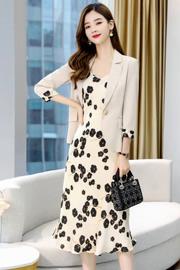 连衣裙套装女2021春秋新款韩版洋气时尚修身西装碎花吊带裙两件套