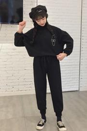 【现货】时尚休闲套装秋冬女半高领刺绣加厚卫衣外套束脚裤两件套