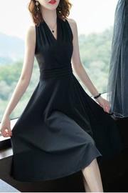 066#2020红色连衣裙女赫本风中长款小黑裙V领裙修身气质打底裙女
