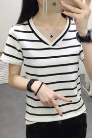 实拍2019夏季新款纯棉短袖T恤女韩版修身显瘦V领黑白条纹学生上衣