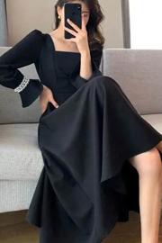 胖mm大码秋冬新款赫本风连衣裙女2021法式复古小黑裙方领打底裙子