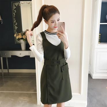 实拍-2017时尚套装秋季新款修身上衣+纯色单排扣吊带裙两件套